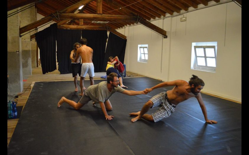 I Figli Maschi provano presso la residenza teatrale Il Granaio