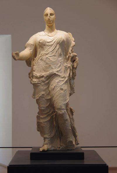 """La Dea di Morgantina, nota al pubblico americano come """"Venere di Malibu"""", quando si trovava al Getty Museum di Los Angeles."""