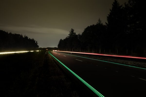 Photo by Daan Roosegaarde (Daan Roosegaarde) [CC BY-SA 3.0 (http://creativecommons.org/licenses/by-sa/3.0)], via Wikimedia Commons
